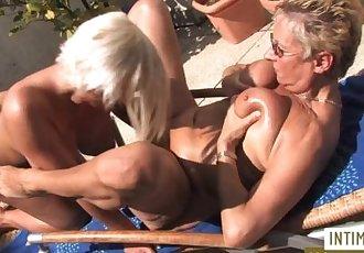 Alte Blonde Lesben