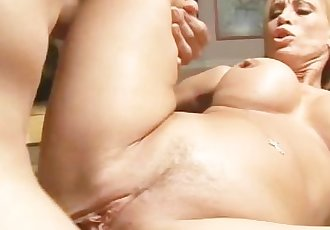 The Ultimate Milf Legend Amber Lynn - Scene 2