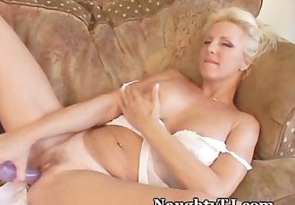 Hot Mature Craves For Orgasm