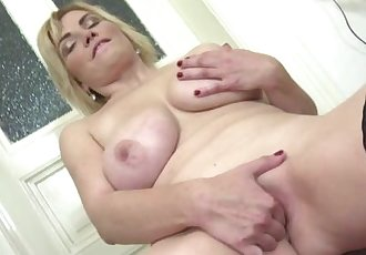 Natural busty mature toying in stockings